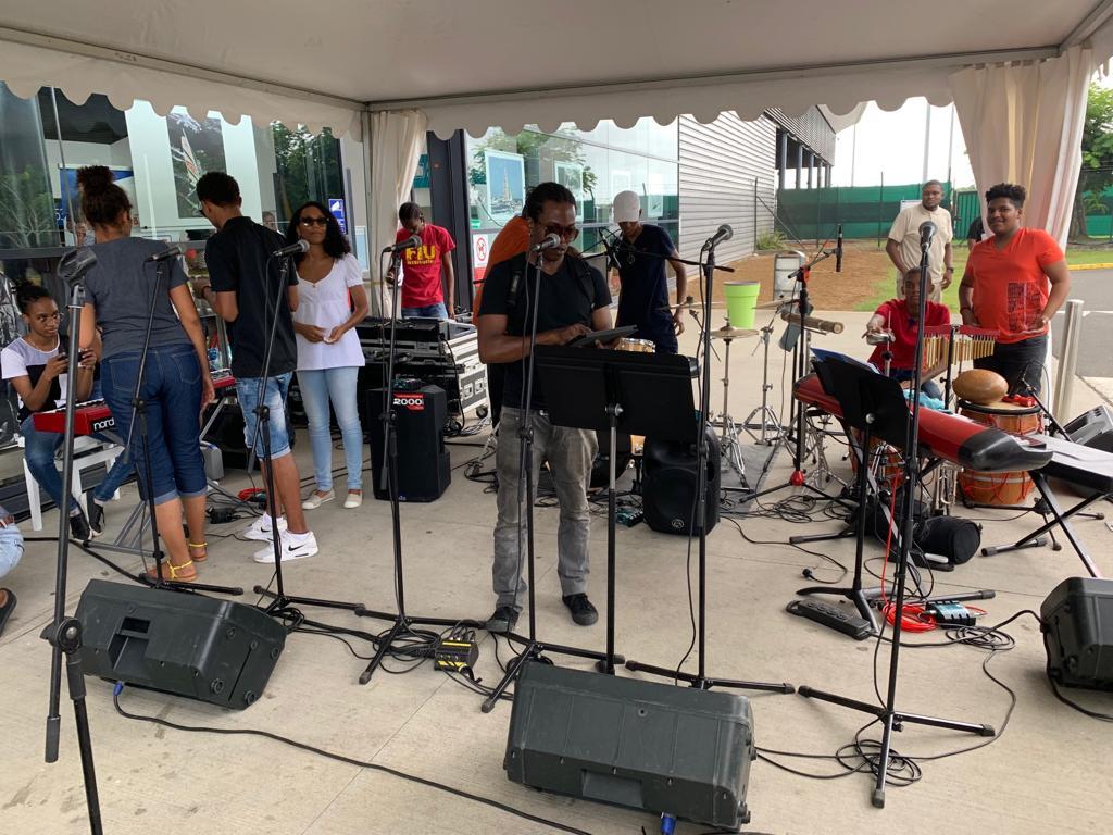 L'aéroport Guadeloupe Pôle Caraïbe fête la musique