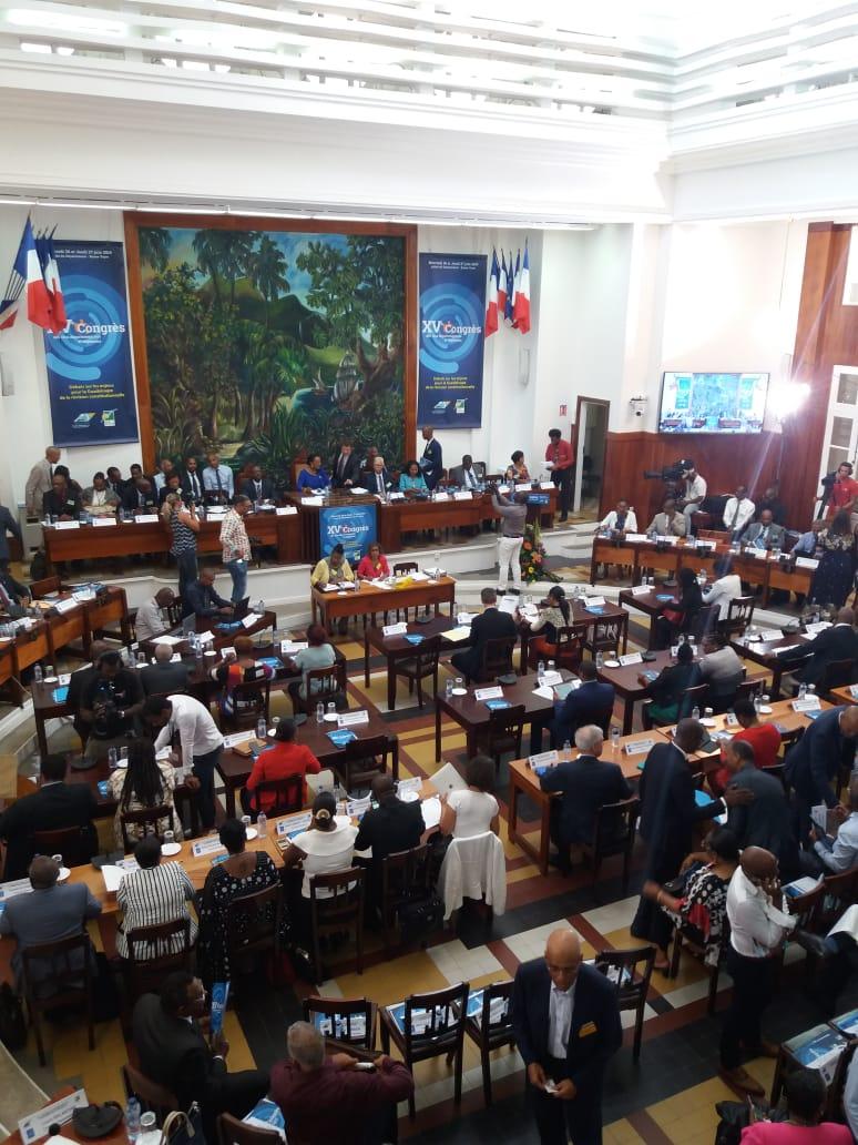 Bilan de la première journée du congrès des élus