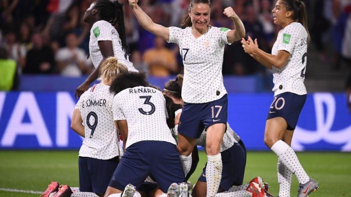 Mondial de foot féminin : les chaînes de télé se frottent les mains