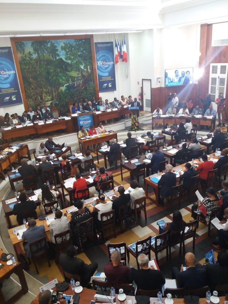 Les élus disent non au transfert de la Préfecture aux Abymes