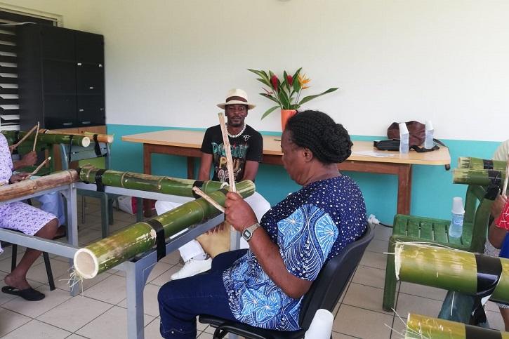 Une initiation aux percussions pour les malades de Palais Royal
