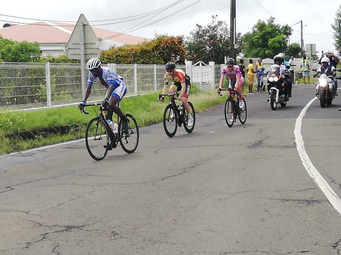 Tour cycliste 2019 : victoire d'Eduin Becerra Becerra au Macouba qui rafle au passage le maillot jaune