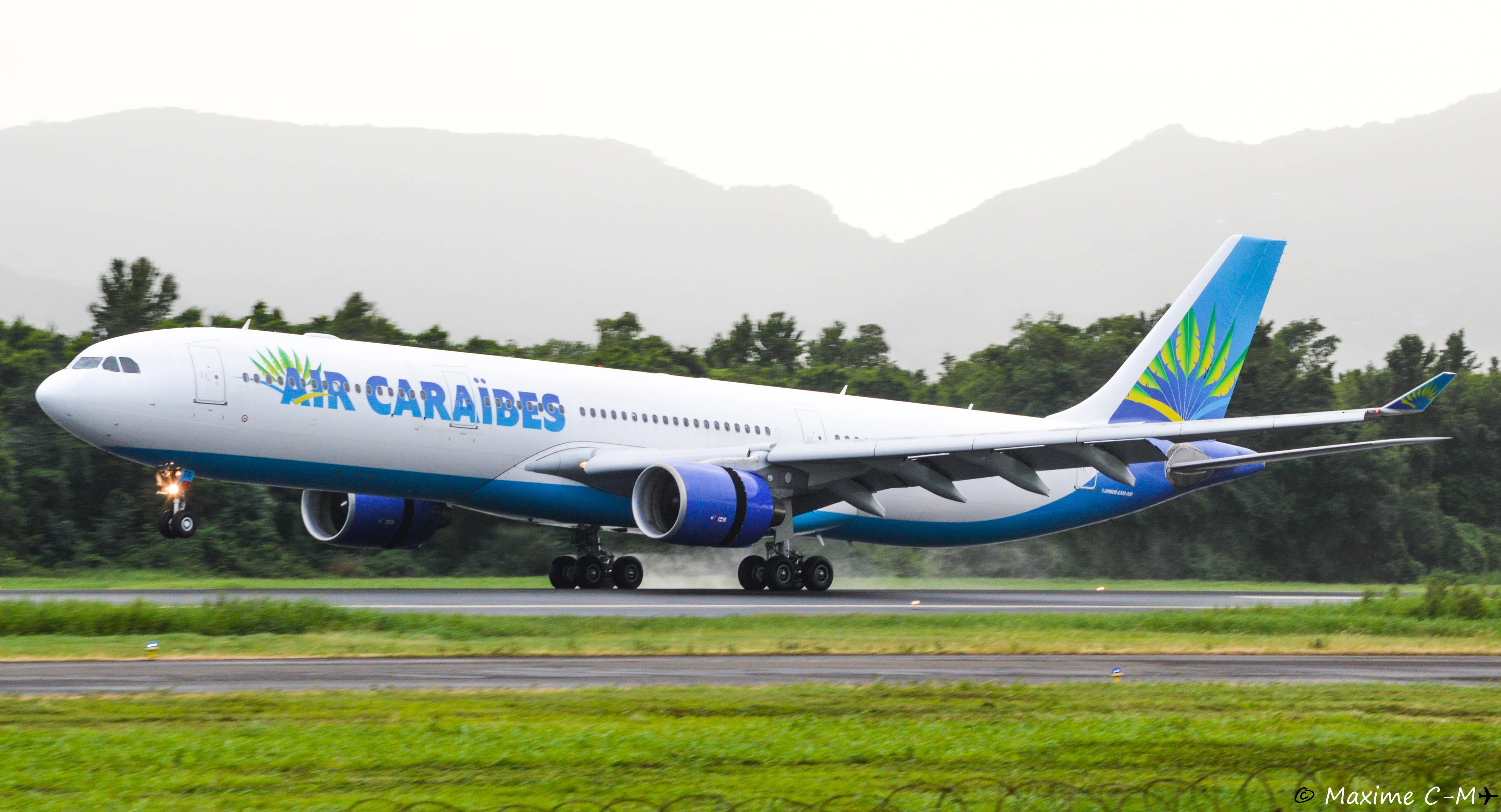 La compagnie Air Caraïbes toute en rose contre le cancer