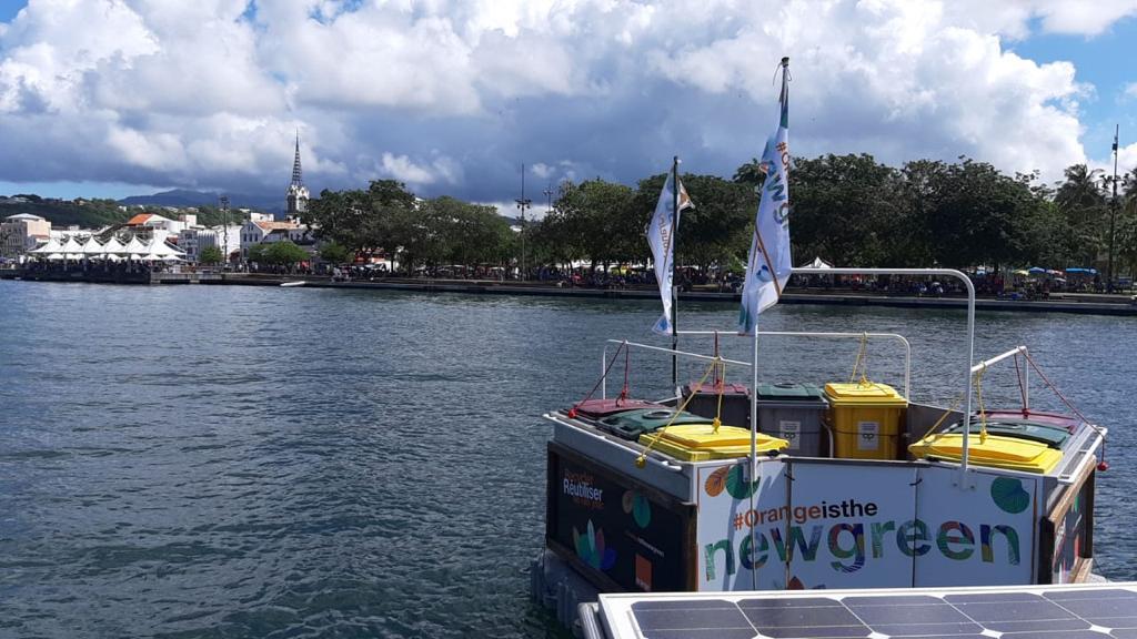 """Un """"camion poubelle"""" de la mer au coeur du tour afin de récupérer les déchets"""