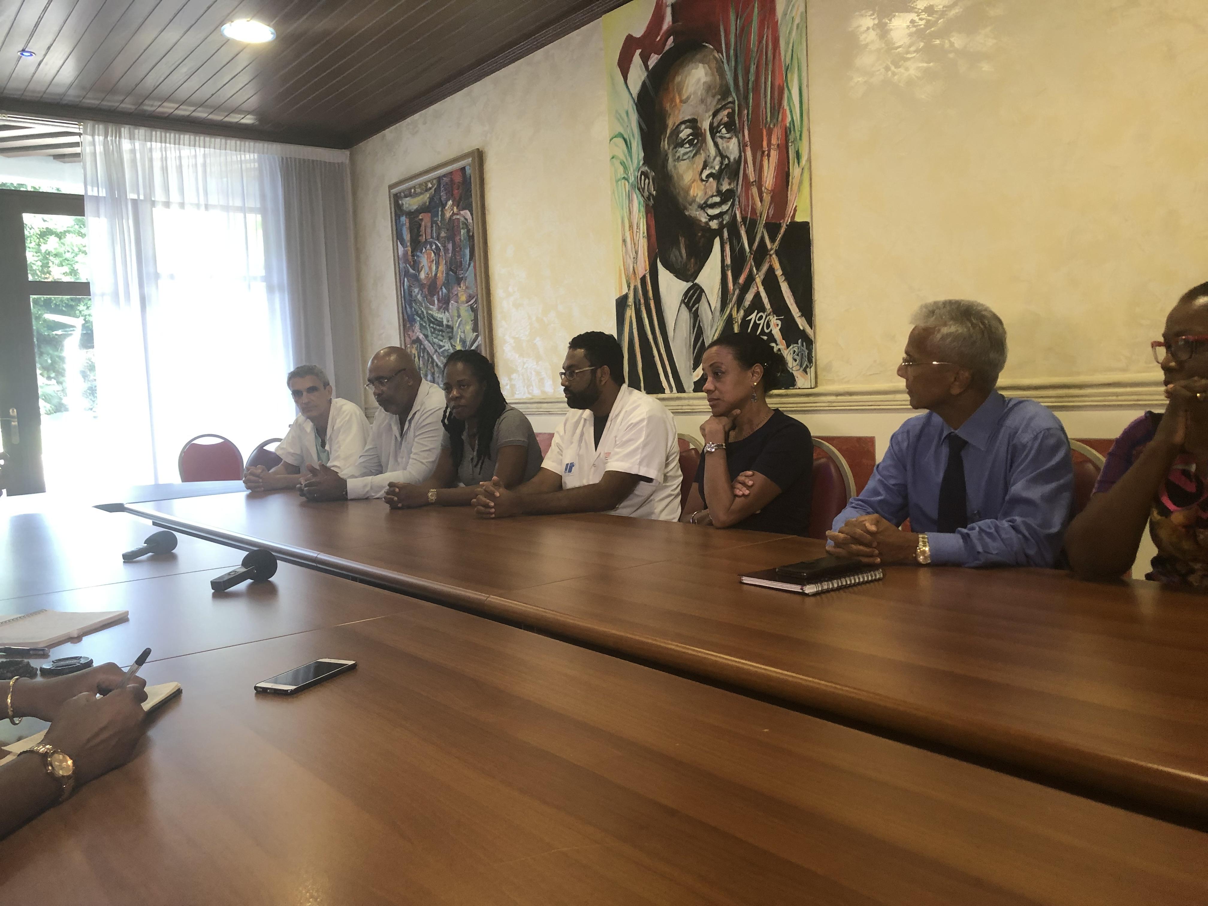Les chefs de pôles du CHU dénoncent le blocage de l'hôpital