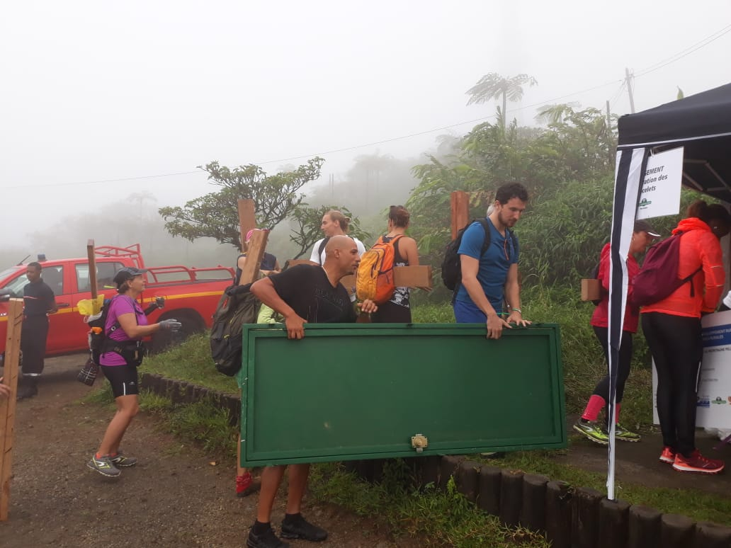 Près de 300 personnes sur les flancs de la Montagne Pelée ce samedi
