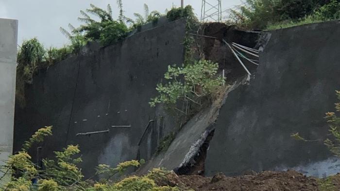 L'effondrement d'une partie de la route d'Acajou toujours sous surveillance