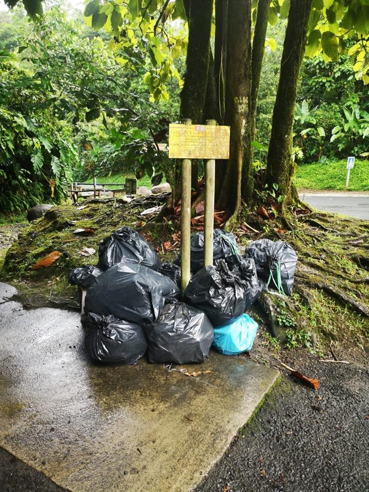Des poubelles abandonnées au coeur du Parc National
