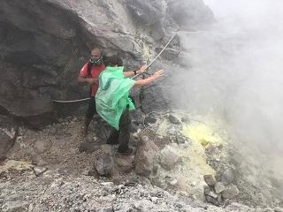 Rci Vakans': la Soufrière, en masque à gaz