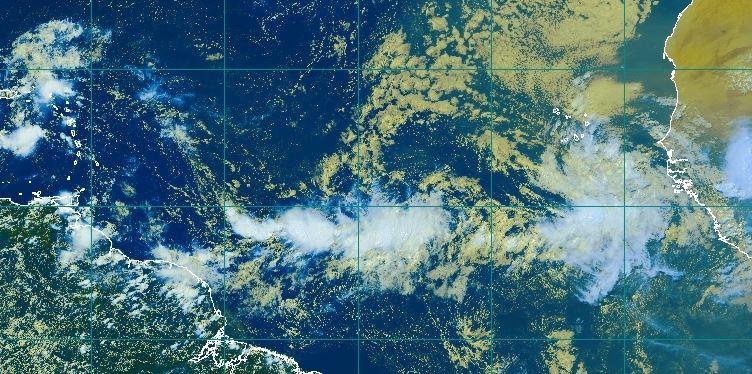 Le NHC place une onde tropicale proche de l'Afrique sous surveillance