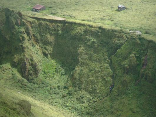 Un appel aux marcheurs endurcis pour rénover un refuge de la montagne Pelée