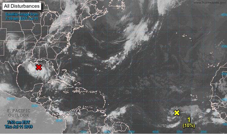 Une onde tropicale surveillée par le NHC