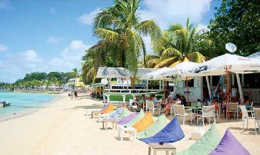 RCI Vakans': Deux beach bars, deux ambiances...à Sainte-Anne