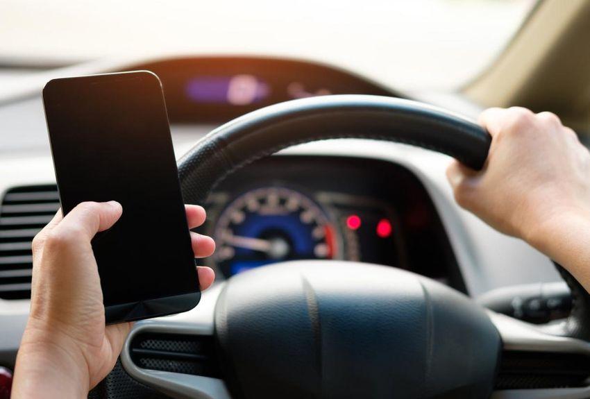 Téléphoner au volant pourra vous coûter votre permis