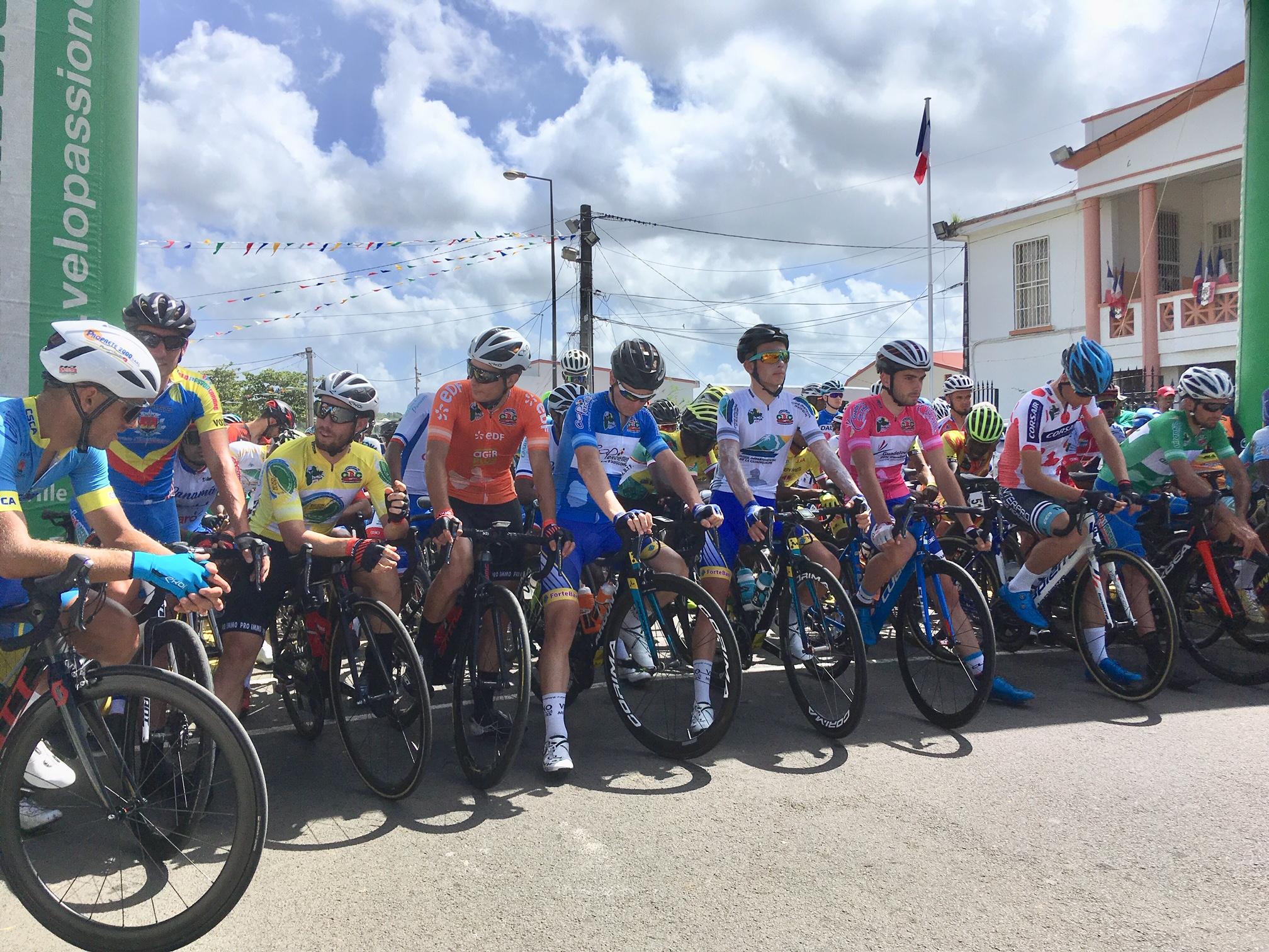Jhonathan Salinas gagne à Basse-Terre... Revivez l'étape minute par minute.