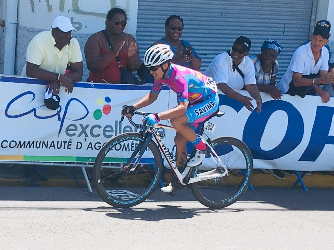 Salinas gagne l'étape, Guillonnet en jaune