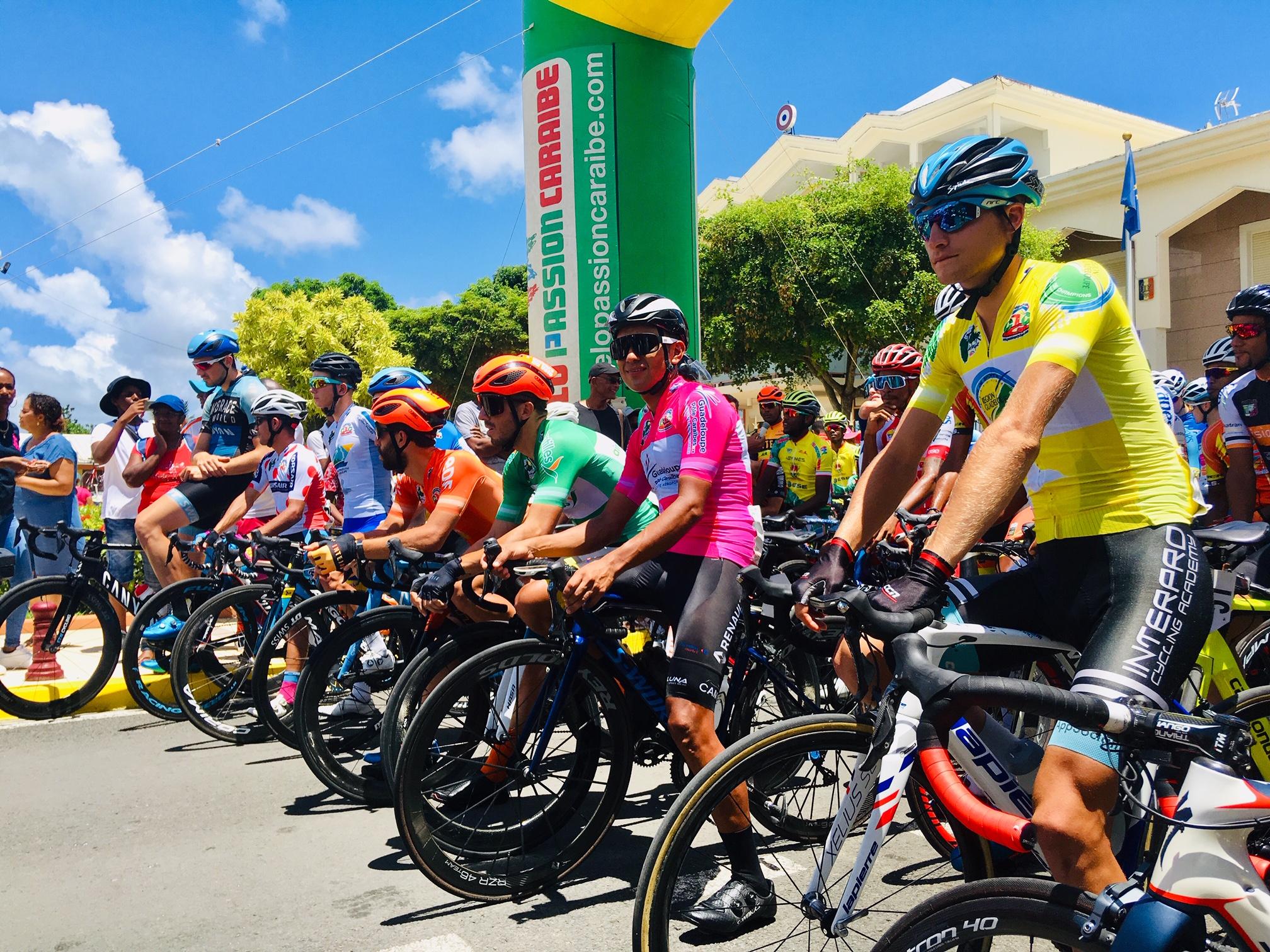 Larpe gagne aux Abymes, le Tour pour Guillonnet. Revivez l'ultime étape du Tour 2019