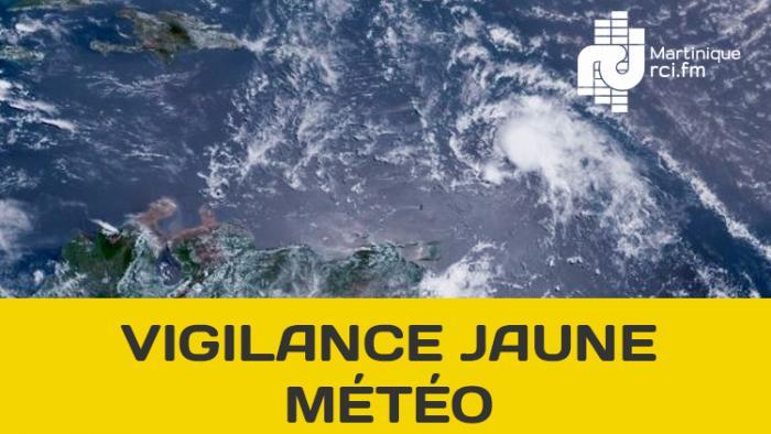 L'onde tropicale s'évacue en mer des Caraïbes, la Martinique reste en vigilance jaune