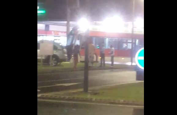 Cinq blessés légers dans un accident entre une voiture et un BHNS