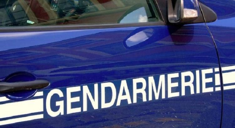 Les gendarmes délogent un homme sur un toit à Morne-à-l'Eau
