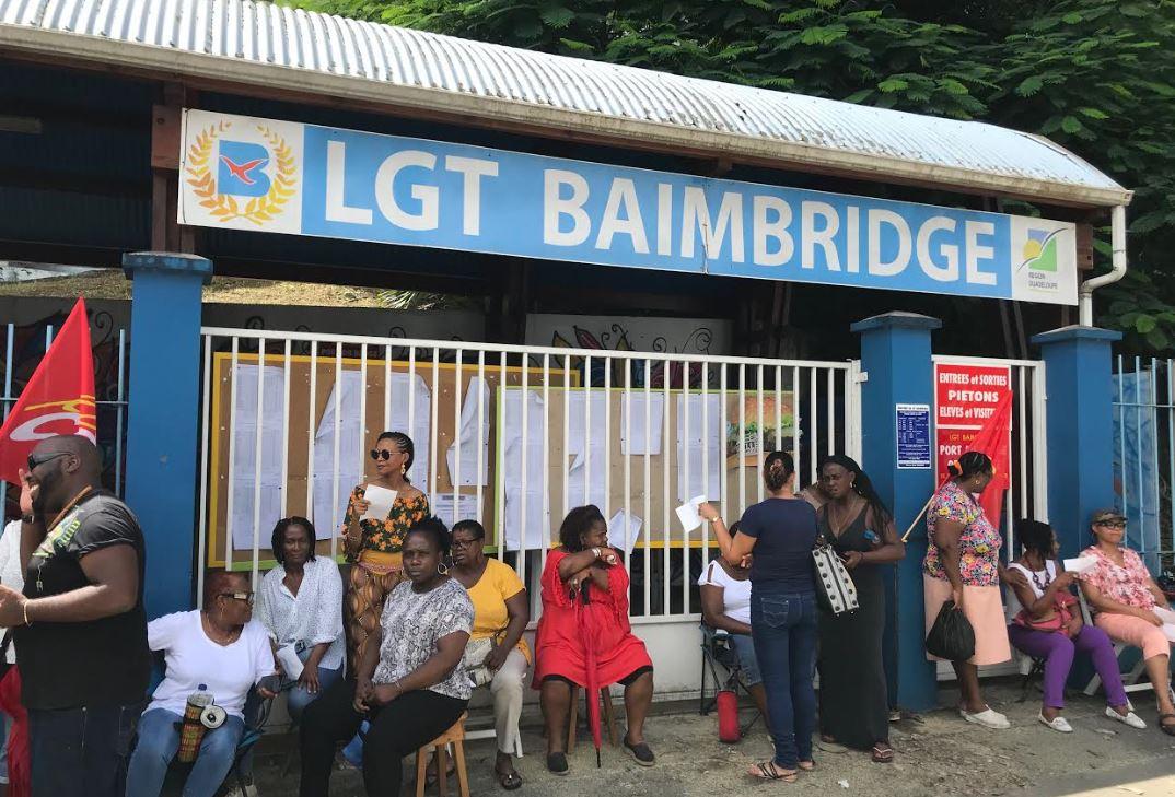 Rentrée perturbée à Baimbridge par la mobilisation des personnels ATOSS
