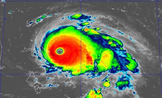 L'ouragan Dorian passe en catégorie 5 à l'approche des Bahamas