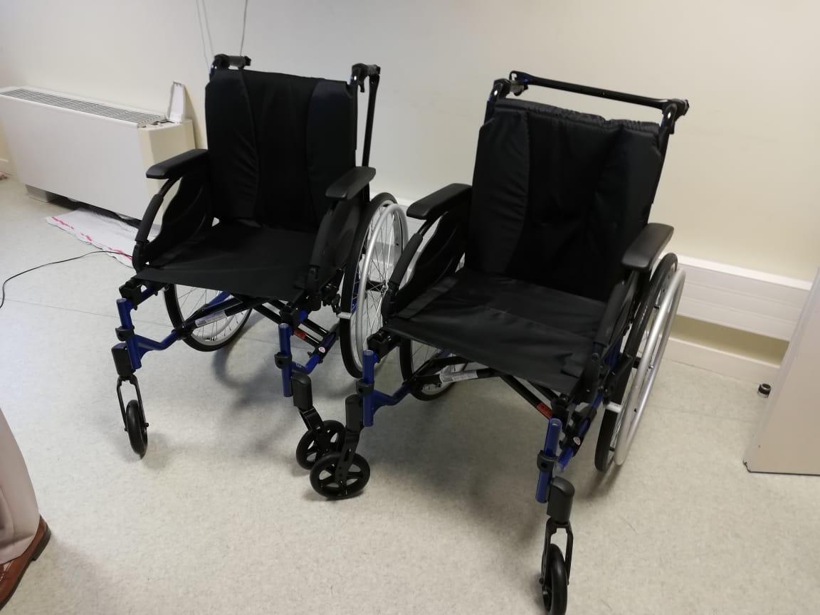 Deux fauteuils roulants offerts au centre de drépanocytose de la MFME