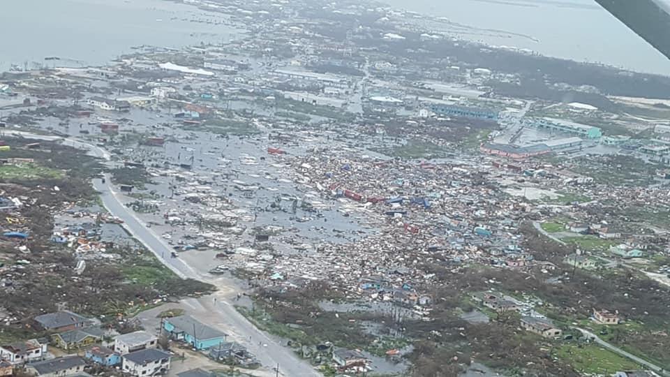 Après Dorian, les Bahamas en proie à une marée noire