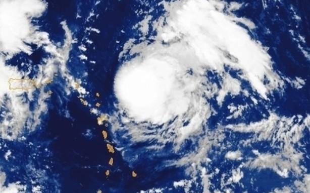 Jerry est un ouragan de catégorie 2. Il devrait éviter les îles du nord de l'arc Antillais