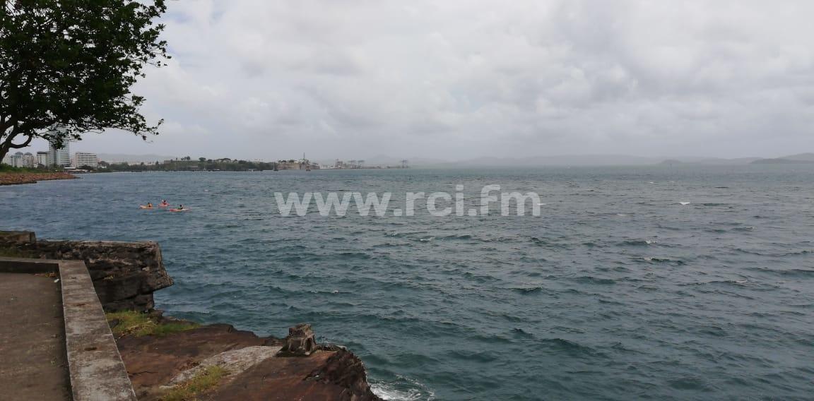 Une embarcation en difficulté au large de la Pointe de la Vierge à Fort-de-France