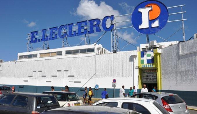 Michel Edouard Leclerc visite les hypermarchés du groupe Parfait