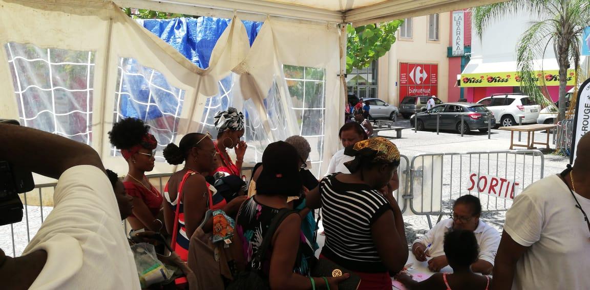 De bonnes affaires à la braderie de la Croix-rouge de Martinique