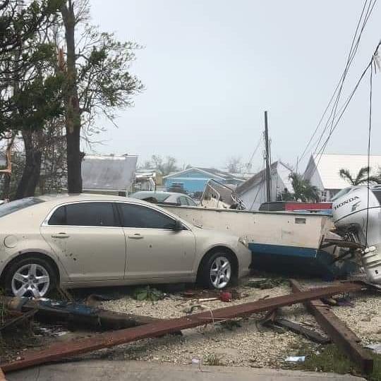 L'ouragan Dorian rétrogradé en catégorie 2