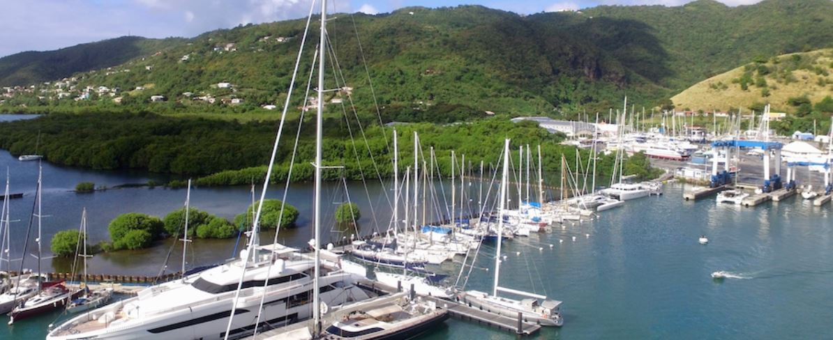 Un port de plaisance illégal a été ajouté à l'aire de carénage du Marin