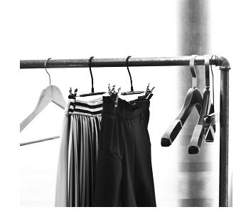 Les robes et les jupes interdites au Lycée des Droits de l'Homme