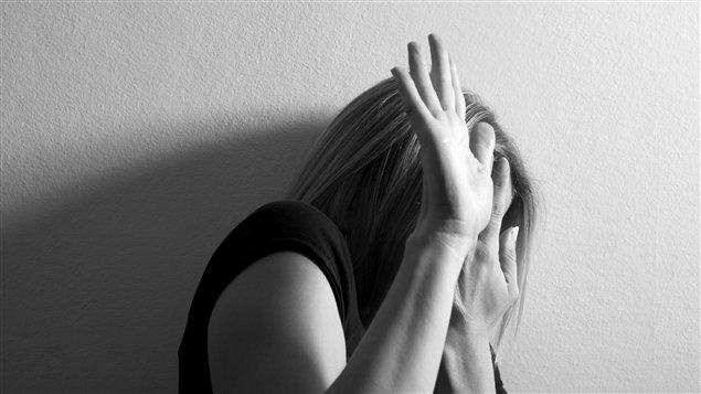 Violences conjugales: une femme blessée à l'oeil  à coup de manche de marteau