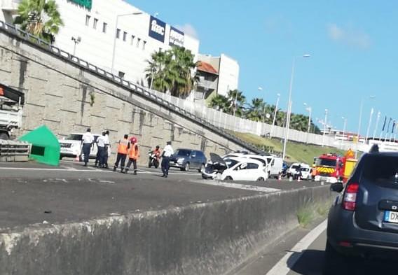 Un accident sur l'autoroute fait un blessé léger