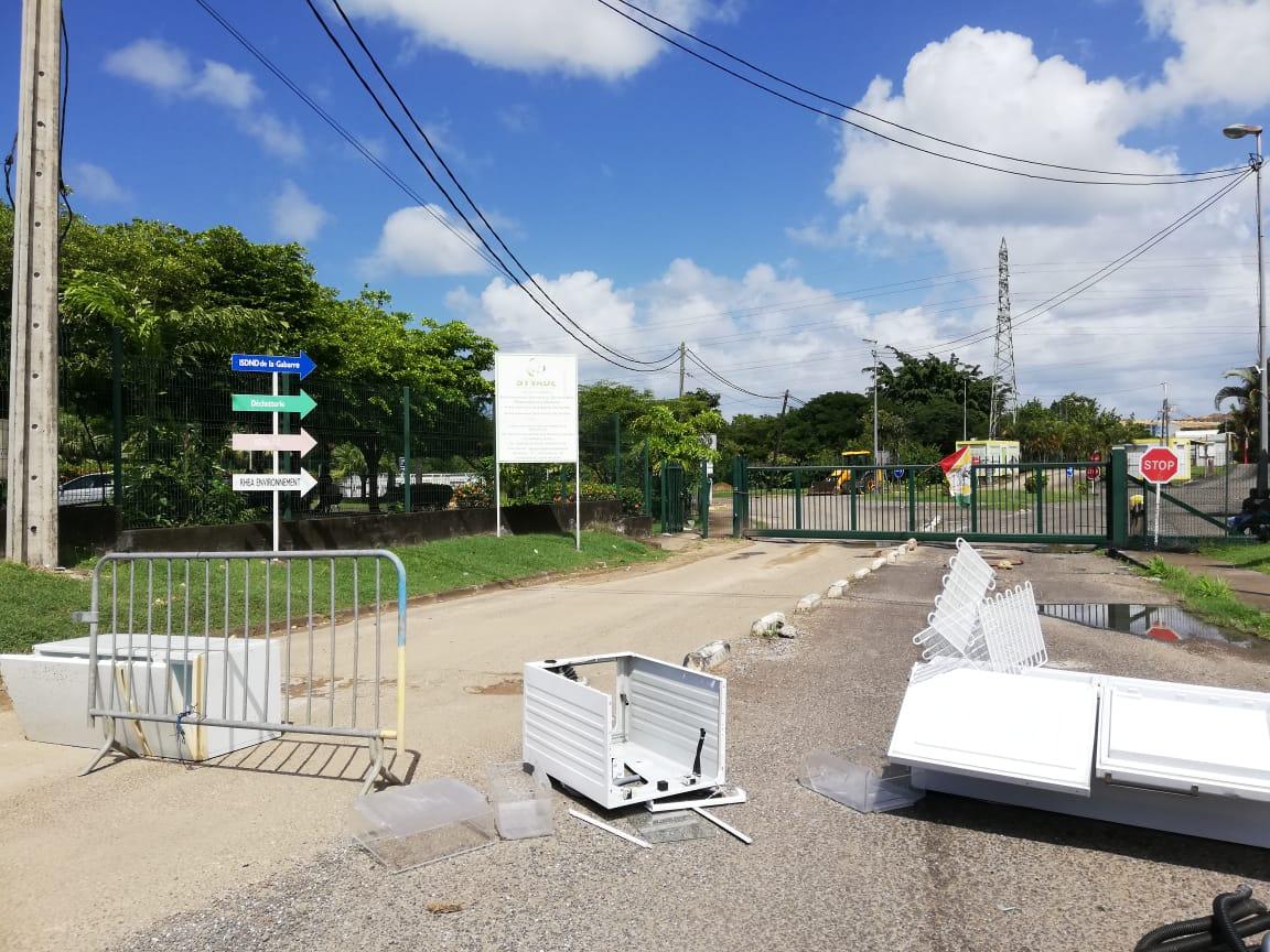 Débrayage au SYVADE : la décharge de la Gabarre bloquée