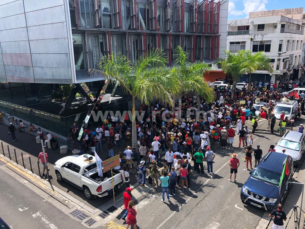 Chlordécone : plus de 300 personnes mobilisées à Fort-de-France