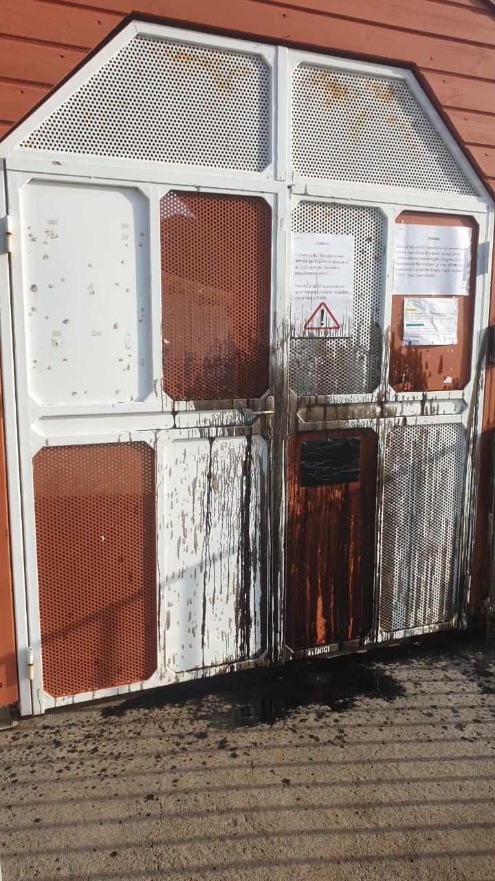 Plusieurs écoles saccagées à Baie-Mahault
