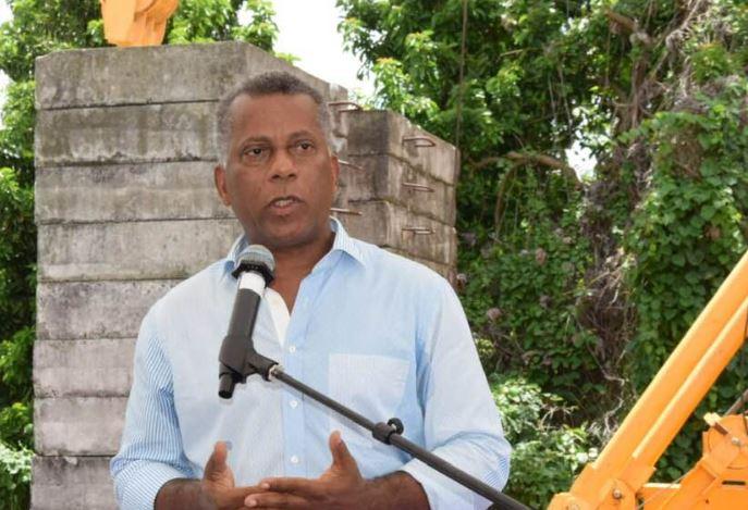 """Municipales 2020 : """"nous devons changer notre ville maintenant"""", Francis Carole"""