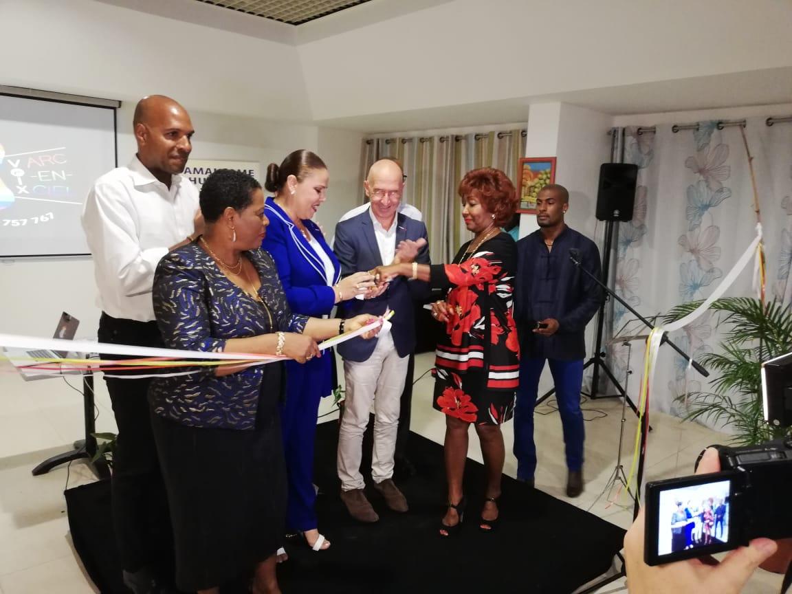 Une ligne d'écoute anti-homophobie et anti-transphobie en Guadeloupe