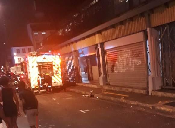 Un incendie rapidement circonscrit au grand marché de Fort-de-France