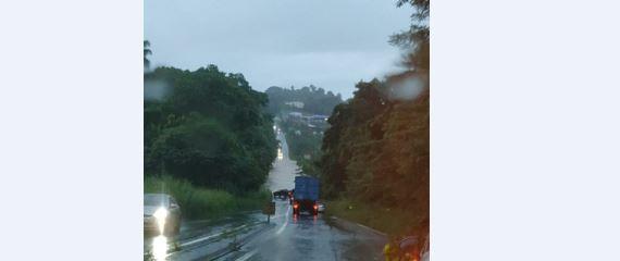 Fortes pluies : plusieurs axes routiers sont inondés