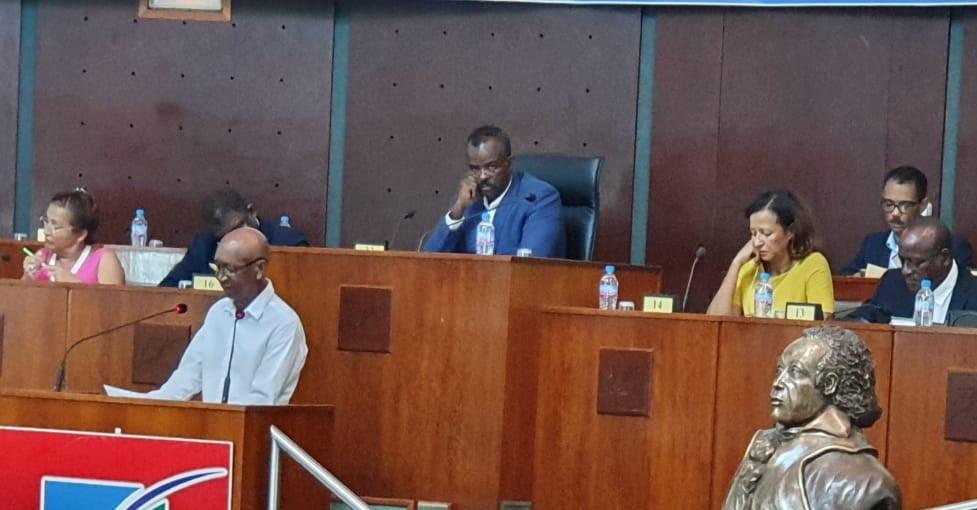 Plénière du Conseil Régional : pas de place aux débats