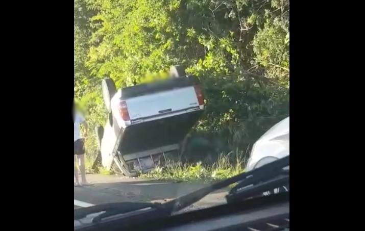 Impressionnant accident de la route au Marin