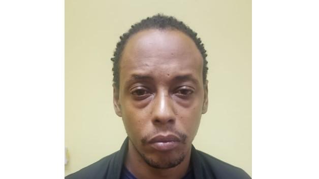Ménélik Suréna devrait rester en prison à Sainte-Lucie au moins jusqu'au 6 décembre