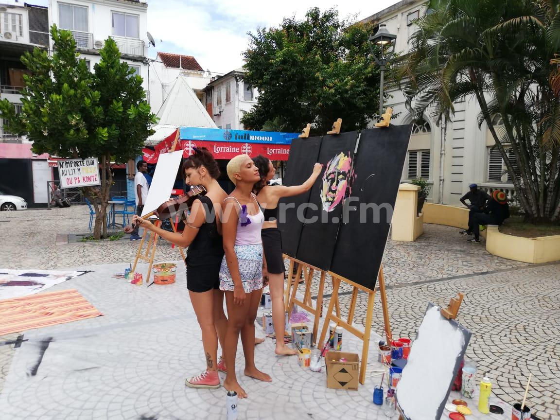 Une manifestation solidaire pour l'élimination des violences faites aux femmes