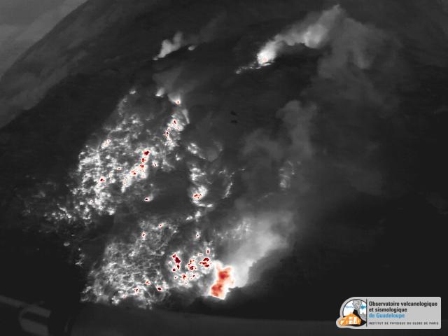 La Soufrière vue par caméra thermique