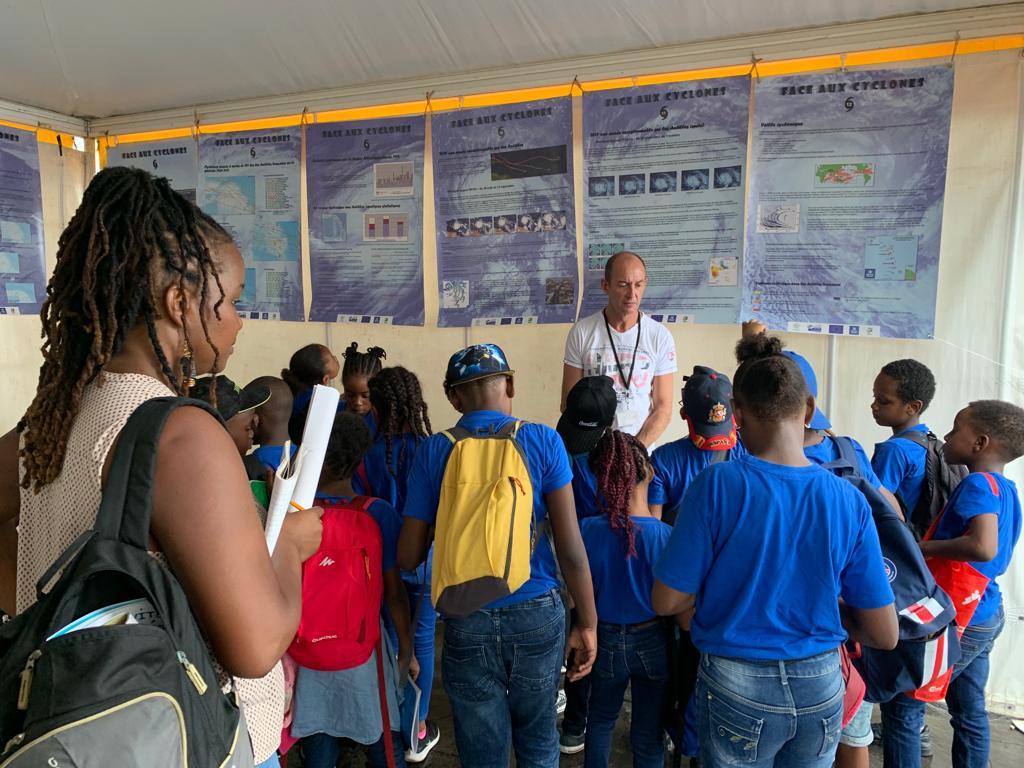 Fête de la science : les scolaires face aux cyclones